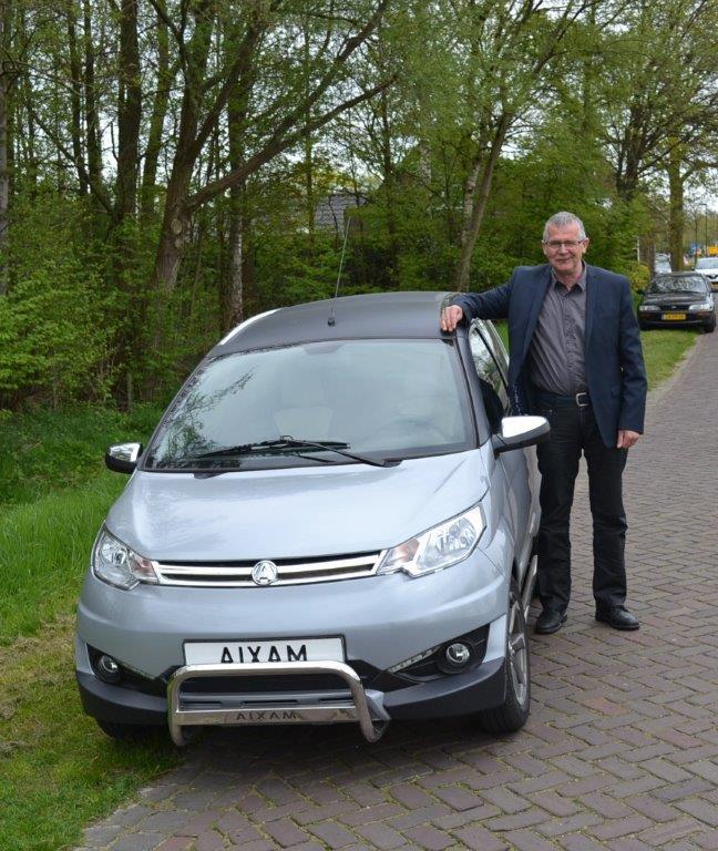 Meneer van Grimbergen, 62 jaar, rijdt al meer dan 15 jaar in een Aixam