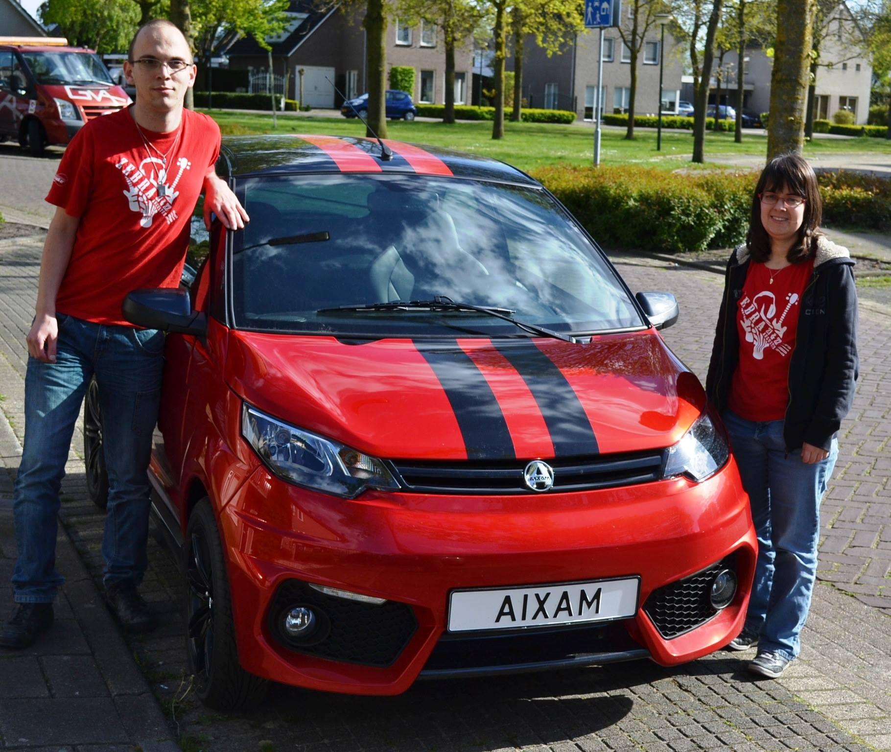 Jolanda uit Helmond met haar Aixam